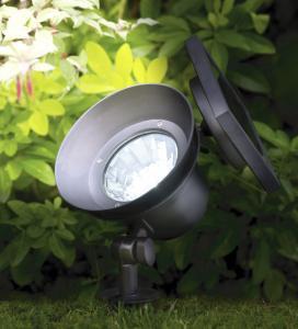 Outside Garden Lighting 15W High Performance Garden Solar Light With CE RoHS IEC Certificate IP65
