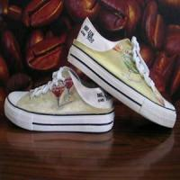 Low Upper Hand Painted Shoe At Low Price Manufactures