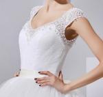 Sexy V Neck Beaded Lace Ladies Wedding Dresses with long trains / Rhinestone , white