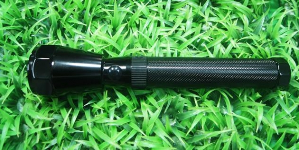 Quality (HM-FD001) Rechargeable LED Flashlight for sale