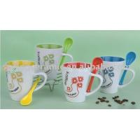 ceramic coffee mugs with spoon (SPCF-094) Manufactures