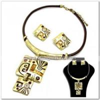 Buy cheap Alloynecklacewith rhinestone(s)in matte gold plating, with lariat chain from wholesalers