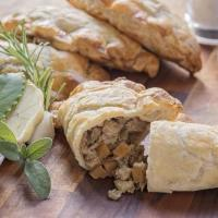 Buy cheap Meat-Free Beef Style Pasties (360g) from wholesalers