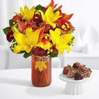 Buy cheap Flowers & Berries Autumn Glow with 6 Autumn Strawberries from wholesalers