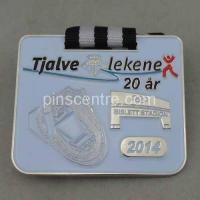 Wholesale Silver Runner Medal Badges from china suppliers