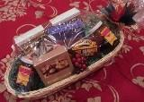 Buy cheap Gourmet Food Gifts Small Holiday Basket from wholesalers